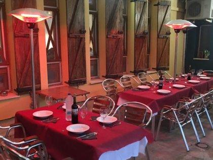 Bar restaurante en Valtierra