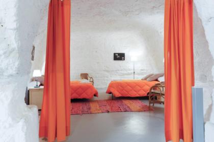 Dormitorio principal de la Cueva La Calandria
