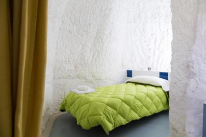 Dormitorio de la Cueva La Calandria