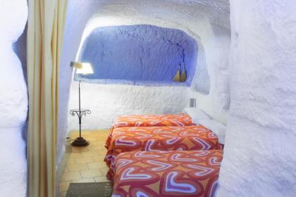 Cueva La Perdiz, alojamiento cerca de Senda viva