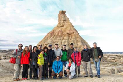 Grupo de excursión junto al Casteldeterra